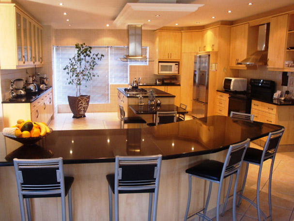 HDI: Kitchens & Bathroom Renovations Cape Town - SA Business Club on cape living room, church kitchen designs, cape style kitchens, cove kitchen designs, contemporary kitchen designs, beautiful kitchen designs, bungalow kitchen designs, top kitchen designs, plain kitchen designs, peninsula kitchen designs, cape dining room, white kitchen designs, double wide kitchen designs, antique kitchen designs, cottage kitchen designs, circle kitchen designs, apron kitchen designs, cape cod kitchens, big luxury kitchen designs, victorian kitchen designs,